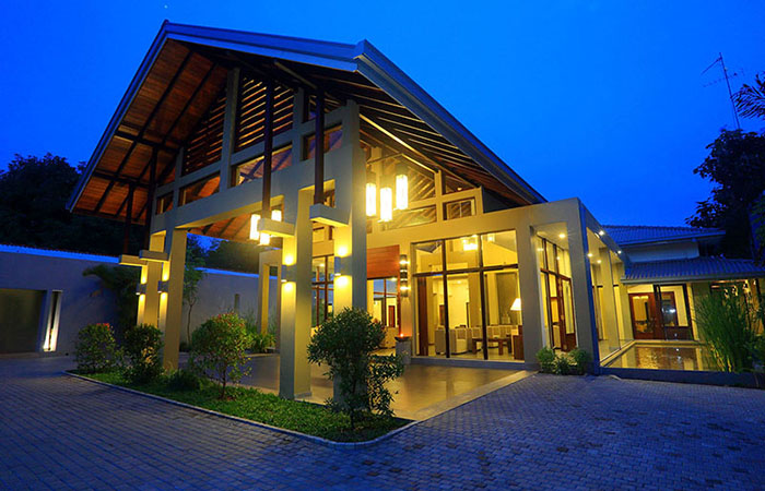 Check into Chandrika hotel