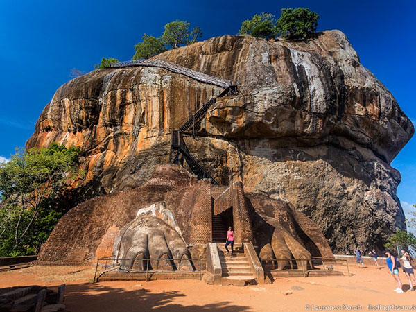 Sigiriya Dambulla Day Tours | Day tours to Sigiriya Dambulla departing from Colombo | Dambulla Sigiriya Day Tour in Sri Lanka